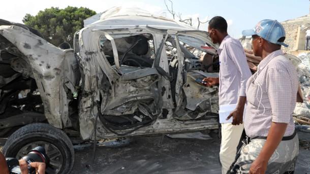 В Кении полицейский автомобиль подорвался на самодельной бомбе. Иллюстрация