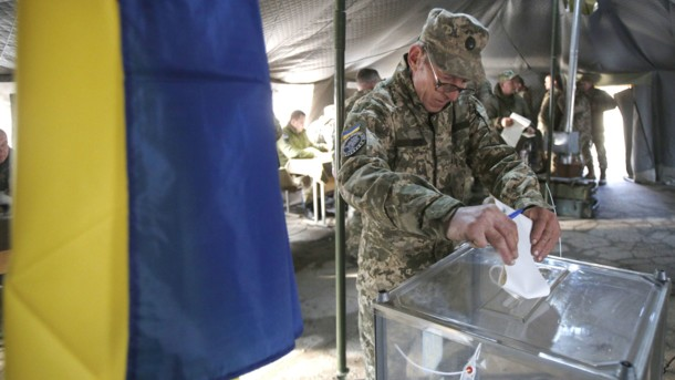 Военные на передовой не смогут проголосовать на выборах в Раду: в ЦИК назвали причину, фото-1