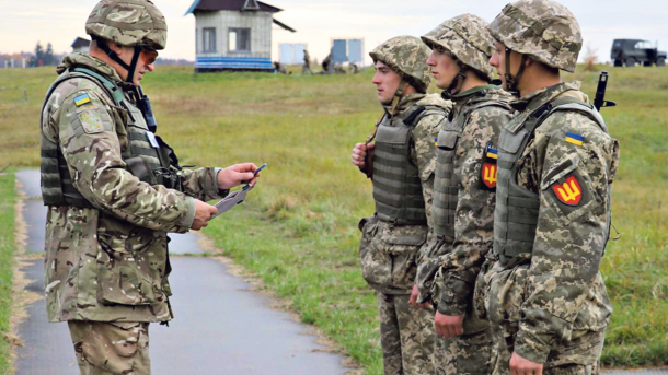 Обладунки для армії: коли з'явиться новий український бронежилет, фото-1