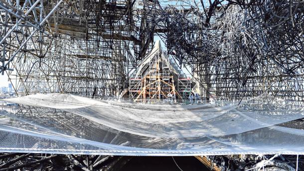 Шпиль відстояли: собор Паризької Богоматері буде відновлений в точній відповідності стану до пожежі, фото-1