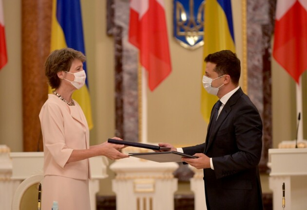 Президент Швейцарии Симонетта Соммаруга и президент Украины Владимир Зеленский. Киев, 21 июля 2020 года