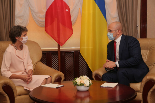 Президент Швейцарии Симонетта Соммаруга и премьер-министр Украины Денис Шмыгаль