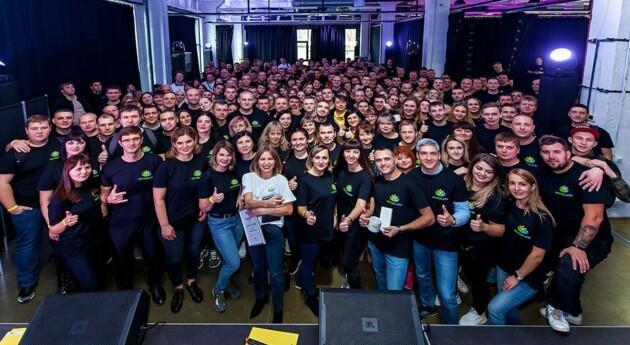 Участники Молодежного движения ДТЭК уже 2 года меняют жизнь в регионах Украины к лучшему