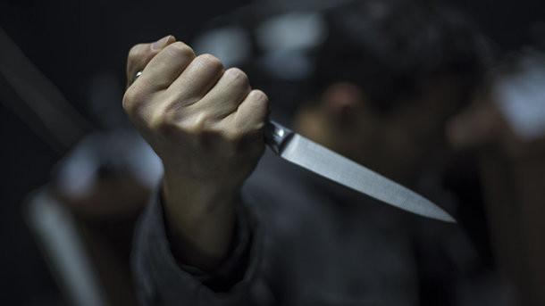 Ножом в сердце: на Закарпатье женщину подозревают в убийстве сына