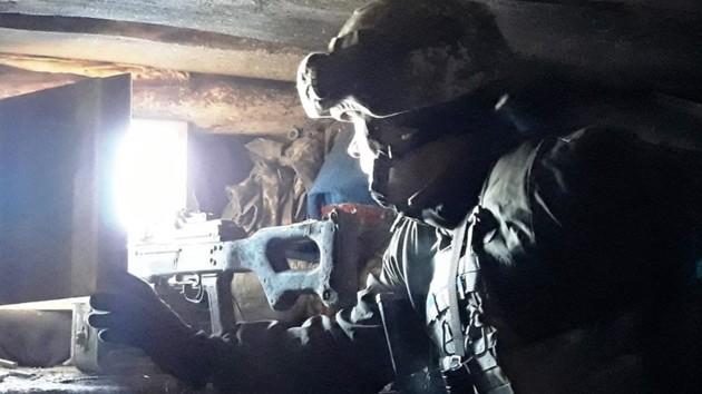 Обстрелы на Донбассе: один военный ВСУ получил ранения