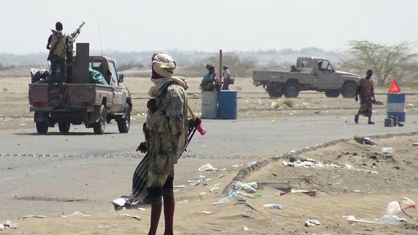 В Йемене сепаратисты захватили три армейские казармы