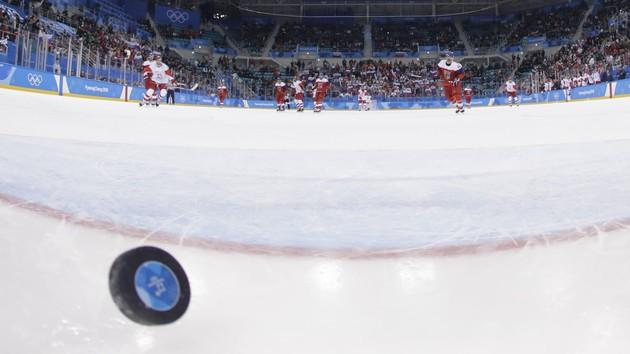 Выбил дверь отеля и избил сторожа: приключения пьяного российского хоккеиста