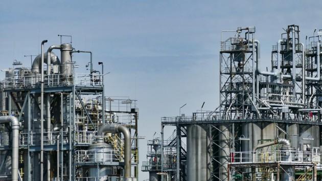 Цены на нефть пробили минимум за два года