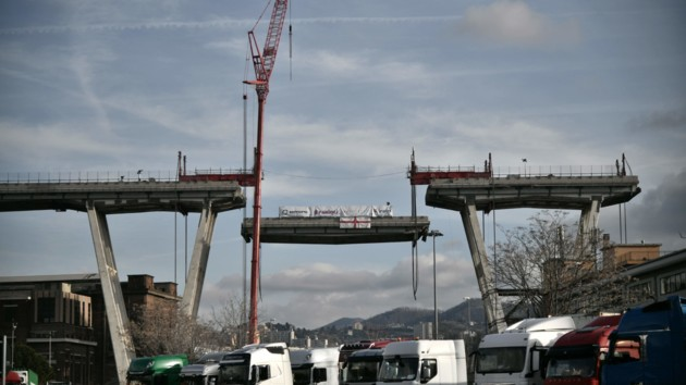 Президент Италии заявил, что обрушения моста в Генуе можно было избежать