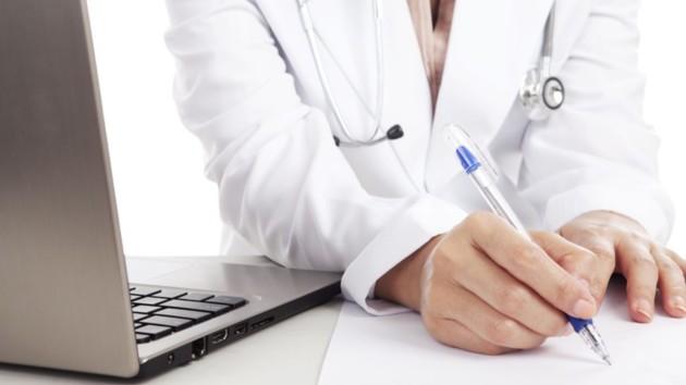 В Сумской области за время карантина уволили 47 медиков