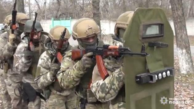 В Днепре бойцы КОРДа задержали подозреваемых в серии нападений: видео