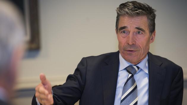 """""""Следующим шагом может стать партнерский статус Украины в НАТО"""": интервью с Андерсом Фог Расмуссеном"""
