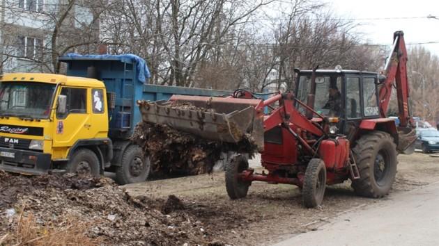 В Запорожье активно убирают город к весне