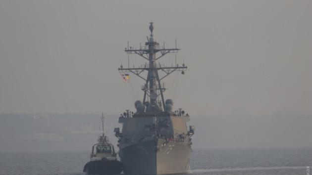"""Боевой эсминец США с ракетами """"Томагавк"""" в Одессе. Фото: Думская"""