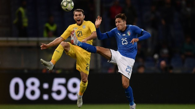 Кьеза против Караваева в товарищеском матче Италия - Украина