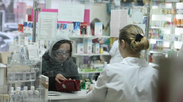 В Украину привезли маски из Китая — когда они появятся в аптеках