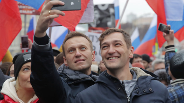 Алексей Навальный и его брат Олег. Фото: REUTERS/Maxim Shemetov