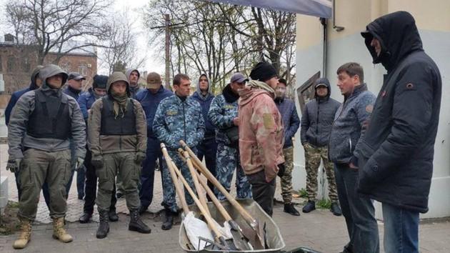 На входе стояли охранники. Фото:facebook.com
