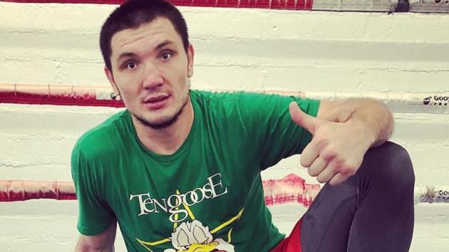 Удар ниже пояса: соперника украинского бокса дисквалифицировали