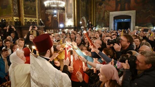 Благодатный огонь прибудет в Украину: когда и где будут раздавать