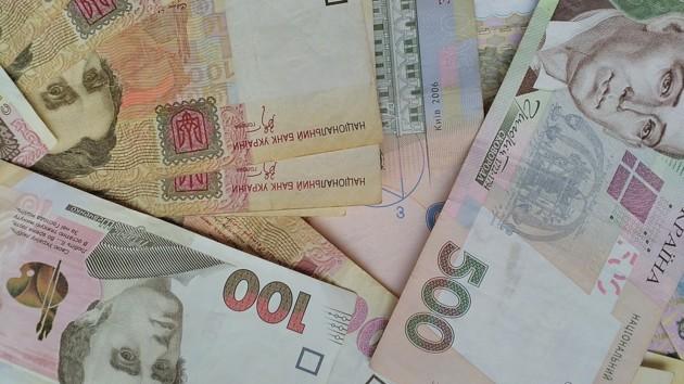 В Украине выросла средняя номинальная зарплата за март