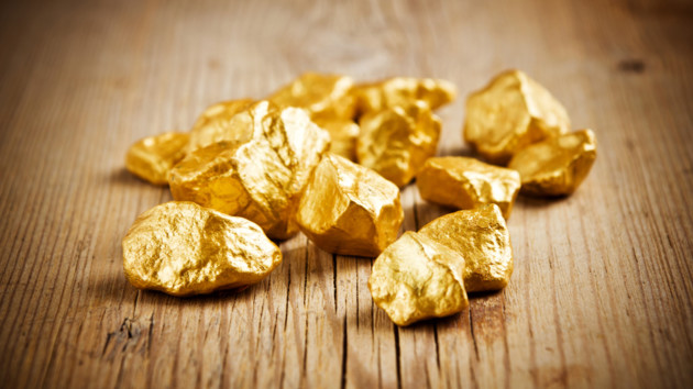 Австралієць знайшов золото під час прогулянки