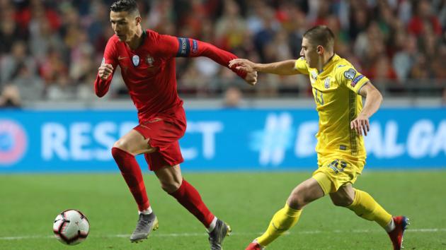 Миколенко проти Роналду