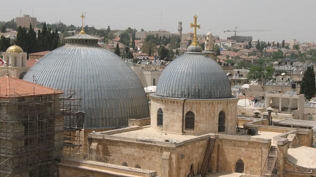 В Иерусалиме из-за коронавируса закрыли храм Гроба Господня