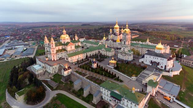 Коронавирус в Почаевской лавре: инфекцию нашли у священников и хористов