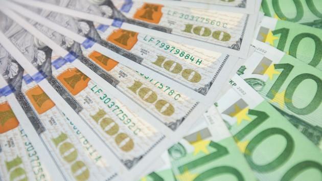 Украина копит валюту: резервы НБУ заметно увеличились