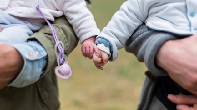 Многодетным семьям за третьего малыша ипоследующих доплатят по1700грн каждый месяц