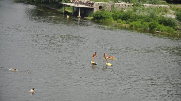 В харьковских водоемах обнаружили возбудителей опасных болезней