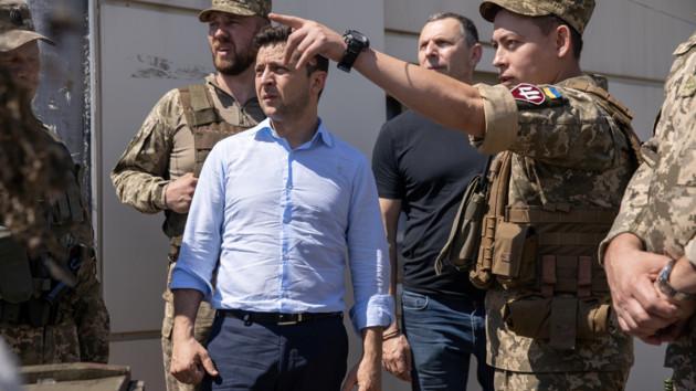 Зеленский обсудил с руководителями силовых ведомств и МИД разведение войск в Донбассе