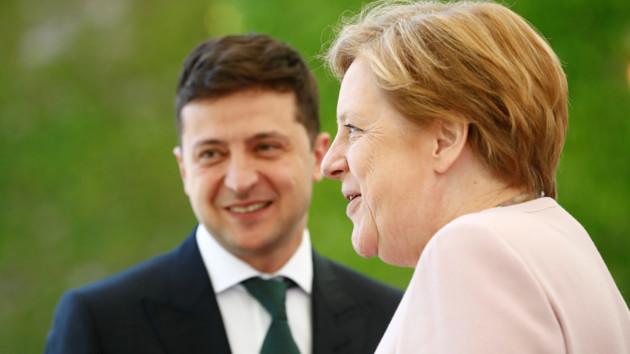 Зеленский созвонился с Меркель: стали известны подробности разговора