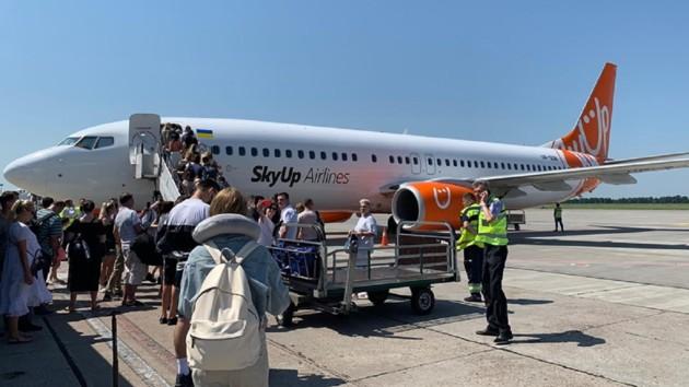 Украинский лоукостер отменяет рейсы из-за коронавируса