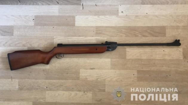 В Житомире 10-летний мальчик расстрелял прохожего