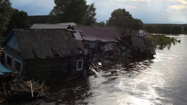 Около полутысячи домов непригодны для жизни: что натворили наводнения в Сибири