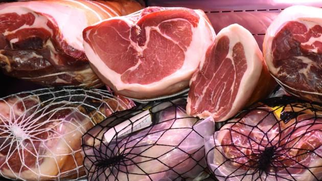 Сколько Украина покупает и продает свинины и мяса птицы: появились итоги