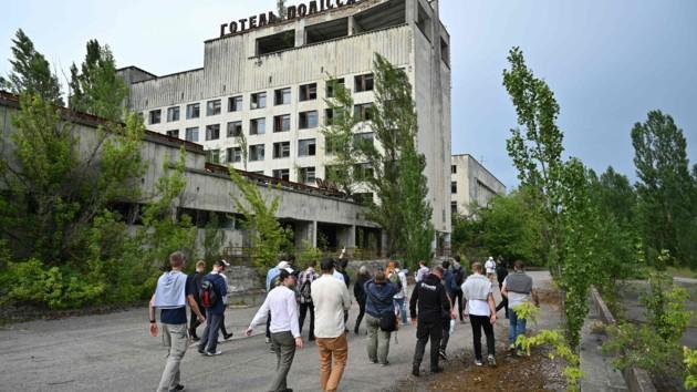 Не экскурсиями едиными: из чернобыльской воды выгнали водку и собираются ее продавать коллекционерам