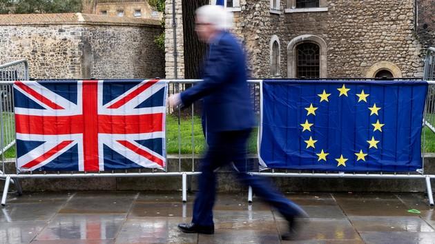 ЕС даст ответ по вопросу соглашения о Brexit: Макрон назвал сроки