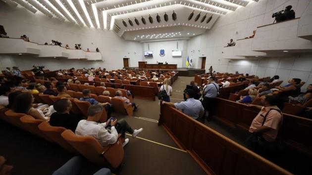 Прогулы и санкции: как трудятся депутаты Днепровского горсовета