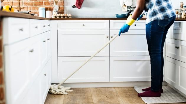 Как очистить воздух в квартире: шесть способов