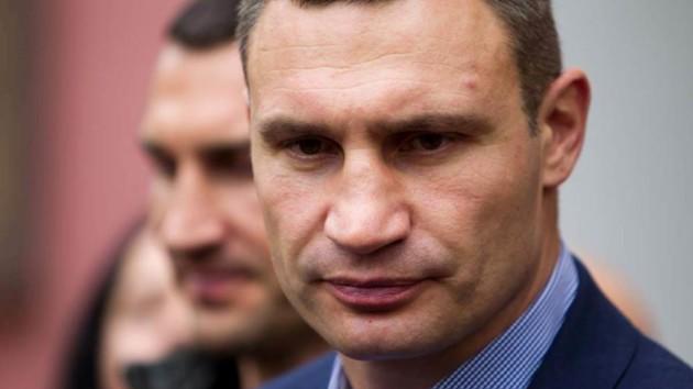 Кабмин Гройсмана отказался заниматься увольнением Кличко