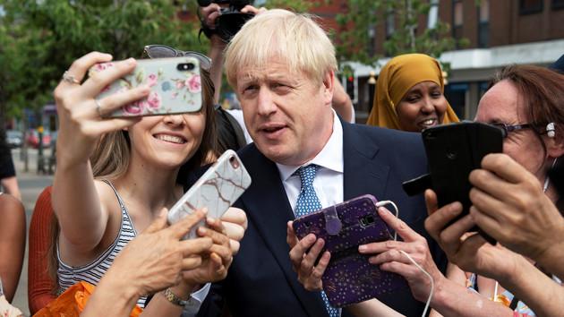 Джонсон возобновит работу парламента Великобритании, если так решит суд