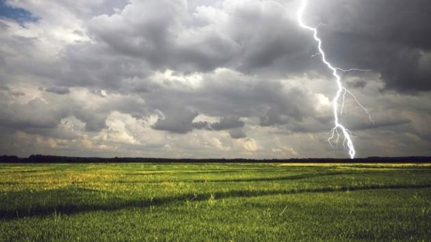 Холод и штормовое предупреждение: какой будет погода в Украине
