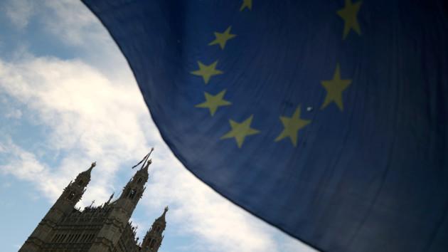 Чиновники в Британии остались без отпусков из-за Brexit
