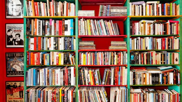Борхес, Крим і «райські» розцінки – 5 книг, які варто прочитати в серпні