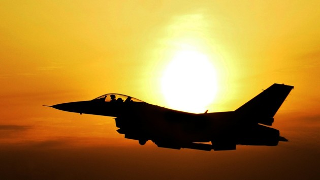 В небе над Балтикой перехватили четыре российских боевых самолета