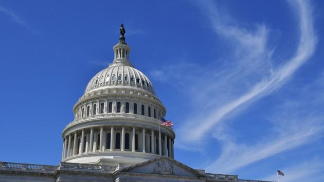 Конгресс соберется, чтобы осудить решение Трампа о Сирии