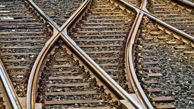Под Киевом поезд насмерть сбил мужчину: полиция выясняет личность погибшего